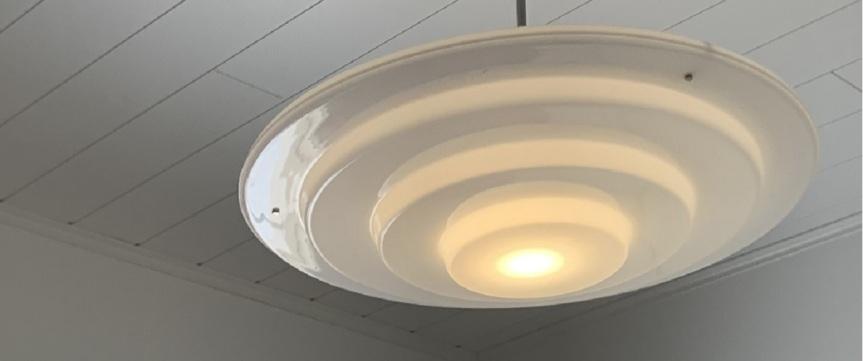 E27 lamppu ja  Dimmer himmennyskytkin – Philips Huekokemuksia